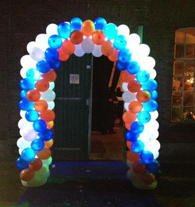 ballonnen-met-lampjes-verlichte-ledlampjes-ballonnenboog ...