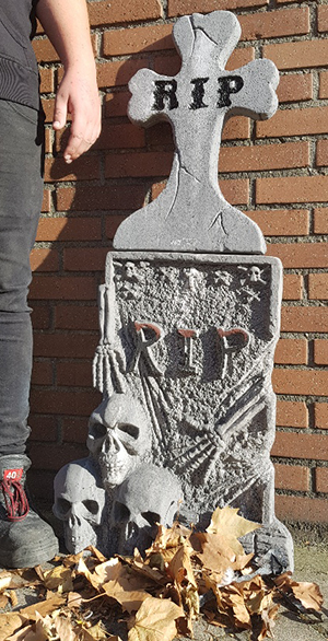 Halloween Kruis.Grafzerk Halloween Huren