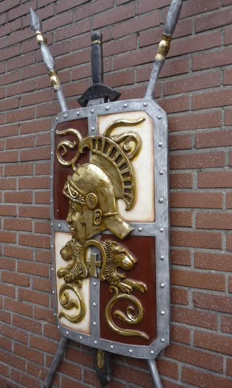 Supermooie ridderschilden of wapenschilden huren of kopen for Romeins schild