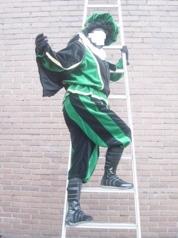 Zwarte pieten kleding verhuur esl eslevents tel 040 2543842 for Luie trap afmetingen