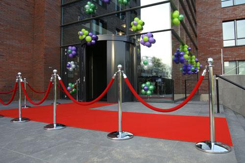 Rode loper met afzetpaaltjes voor een leuke ontvangst van uw gasten - Entree decoratie ...