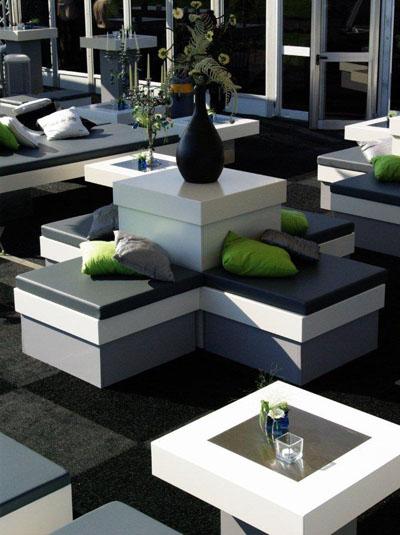 Lounge grijs wit raum und m beldesign inspiration - Moderne zwart witte lounge ...