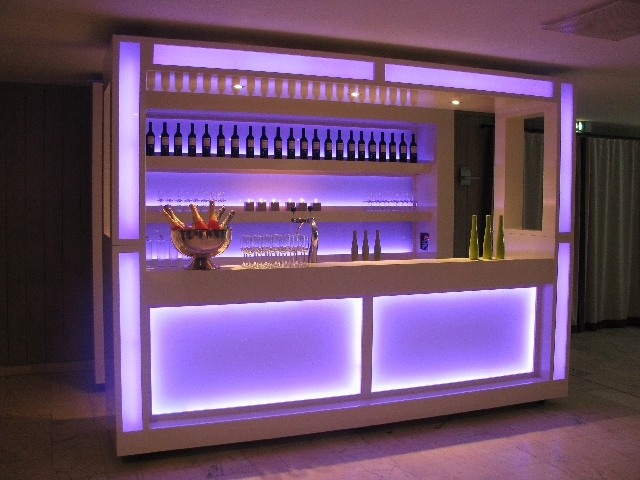 Welkom bij de cocktailbar van entertainment service langenberg te eindhoven tel 040 2543842 - Moderne zwart witte lounge ...